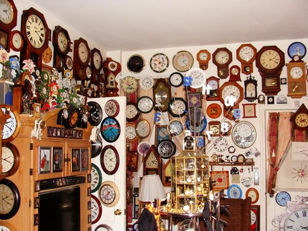 У британского пенсионера крупнейшая в мире коллекция часов - 1509.