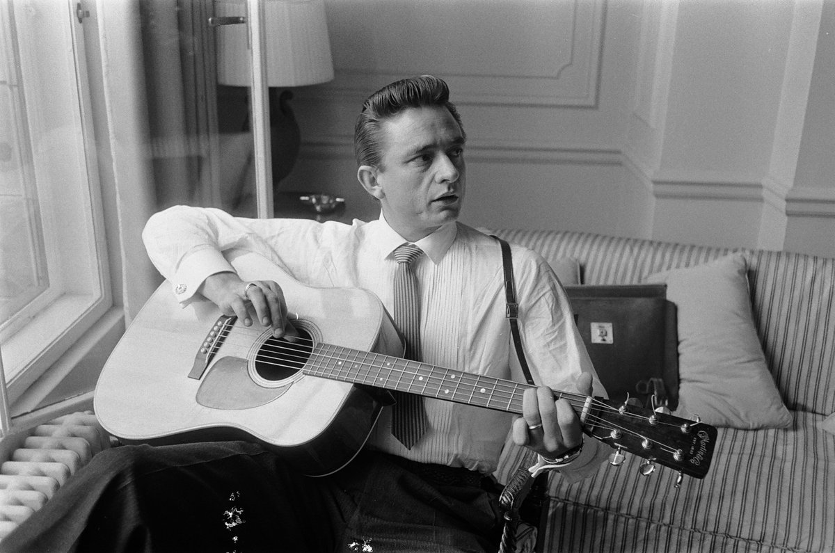 Johnny Cash – Ring Of Fire